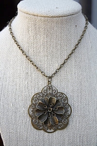 Filigree Flower Pendant Necklace