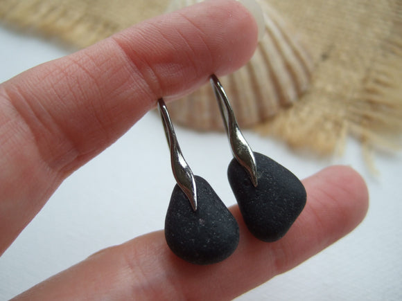 wave design sea glass earrings with black sea glass