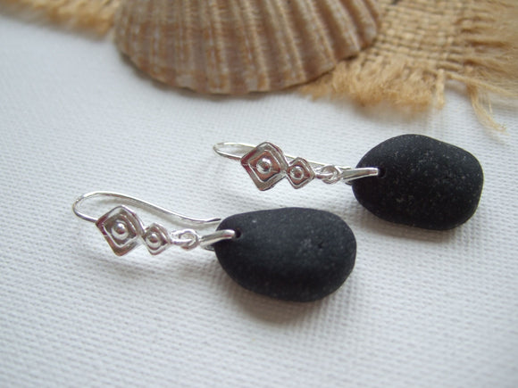 black sea glass earrings with rhombus design settings