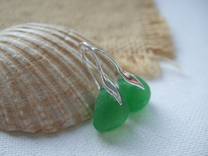 kelly green sea glass wave earrings