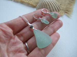 sea glass jewelry set necklace and earrings