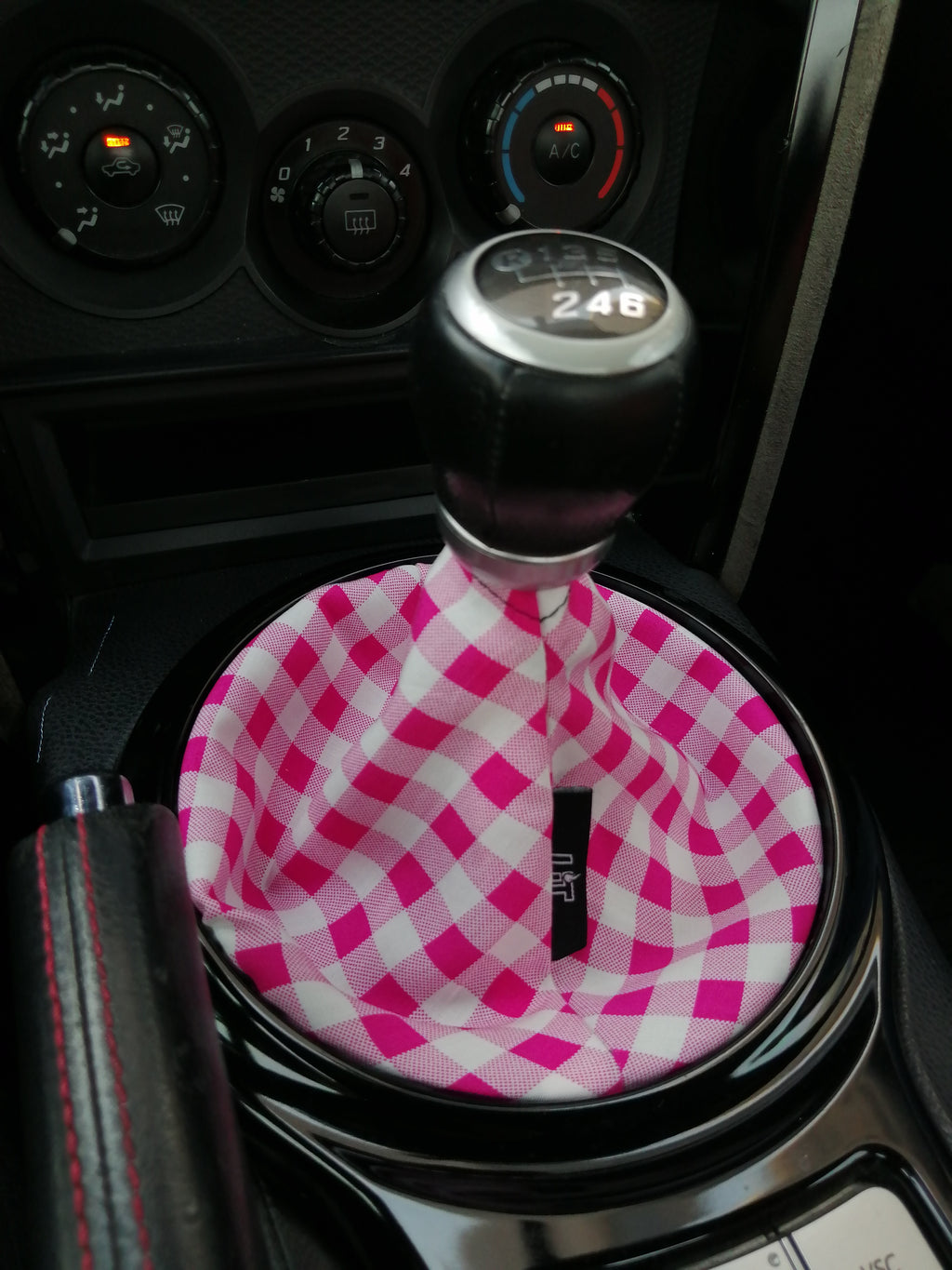 P&W Checkered Shift Boot