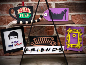Friends 3D Themed Tiered Tray wooden decoration set