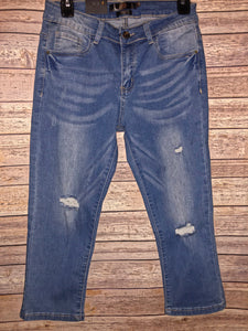 L&B Lightly Distressed Capris - size 4