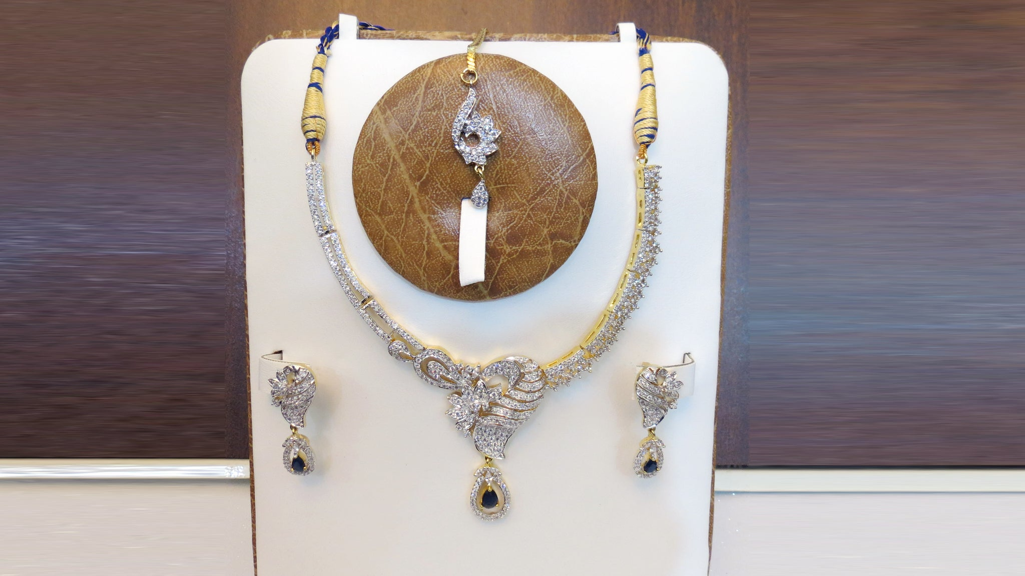 Blue Stone Kanti Set