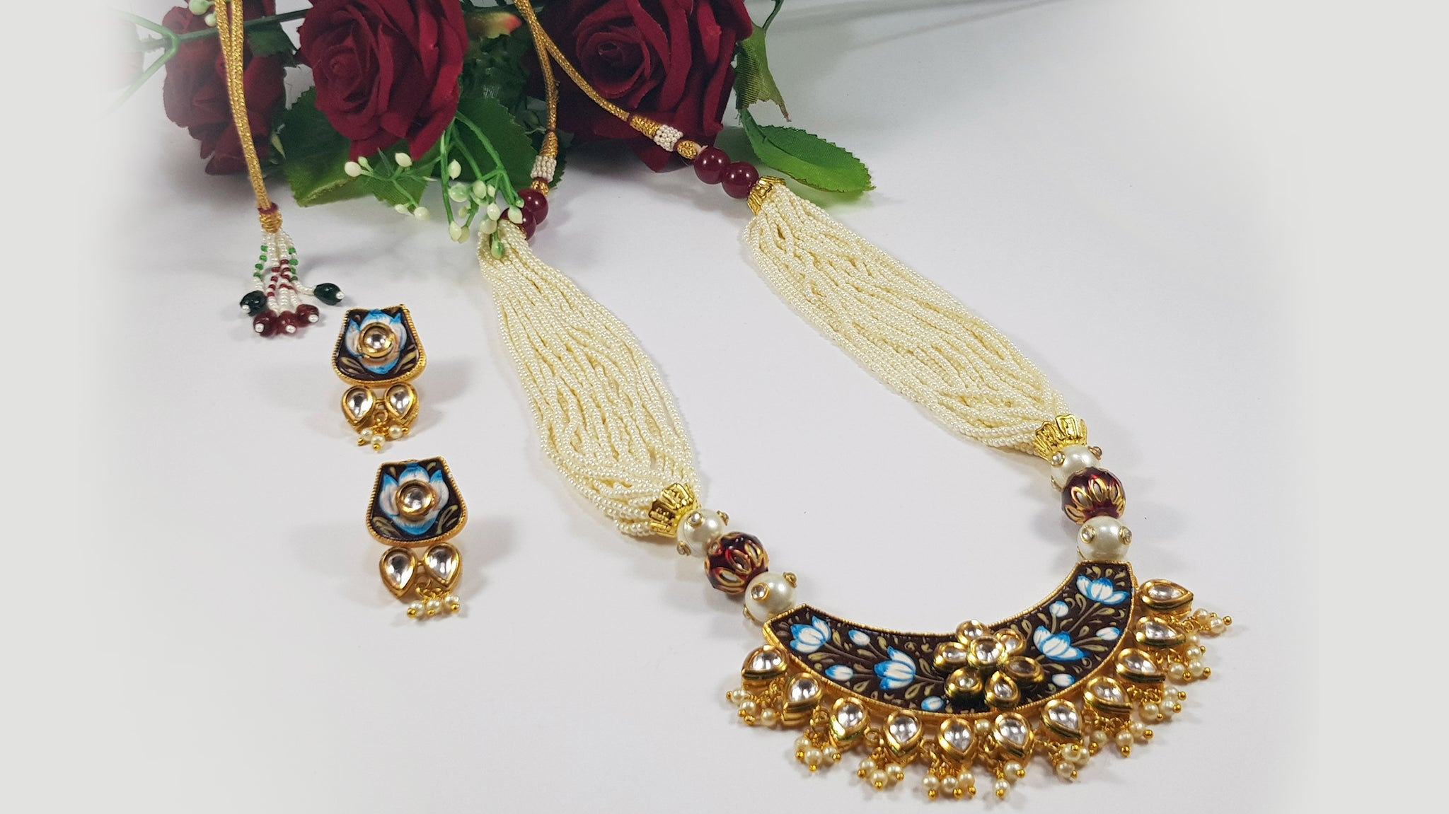 Traditional Party / Wedding Set
