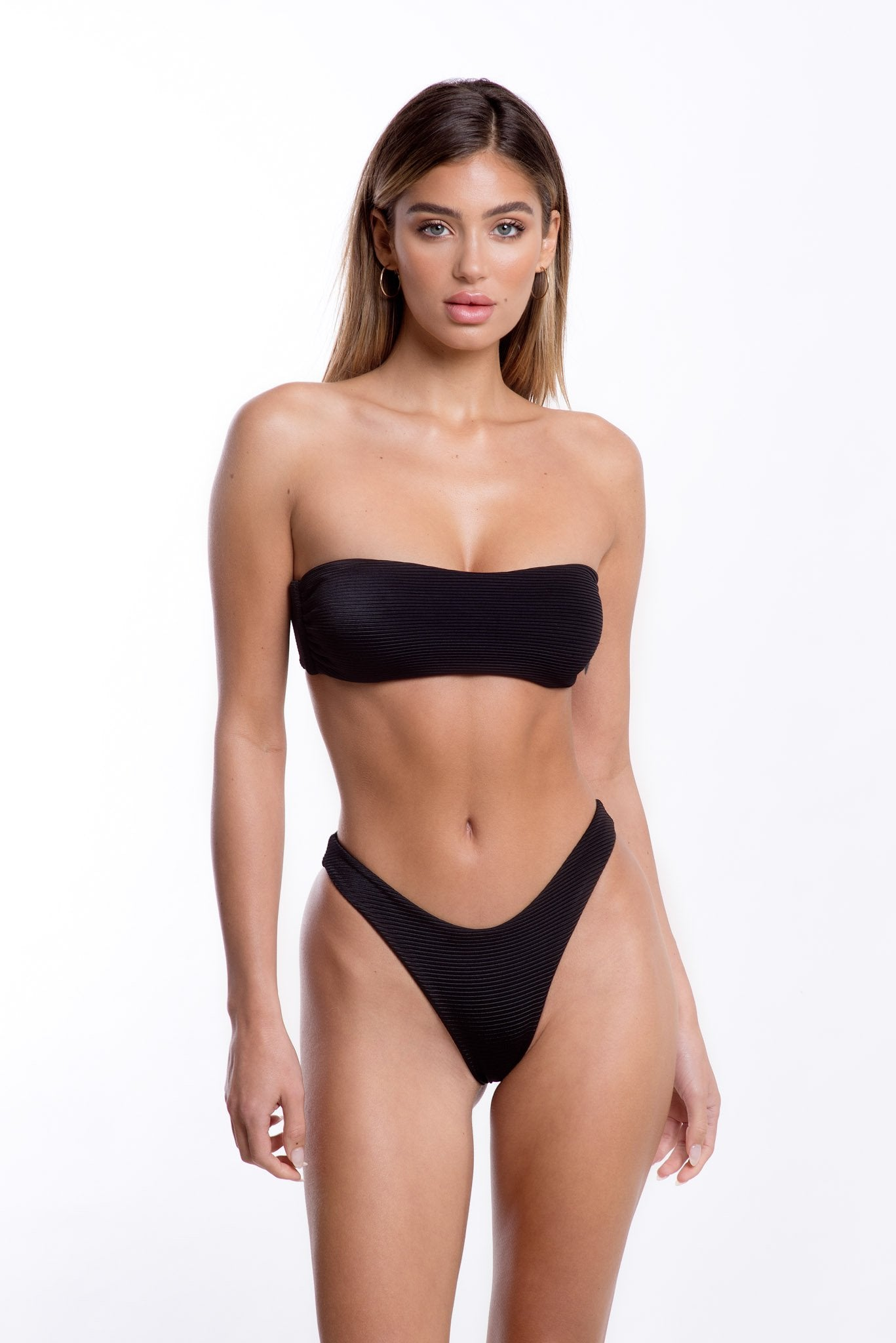 Zuri Top Black Rib