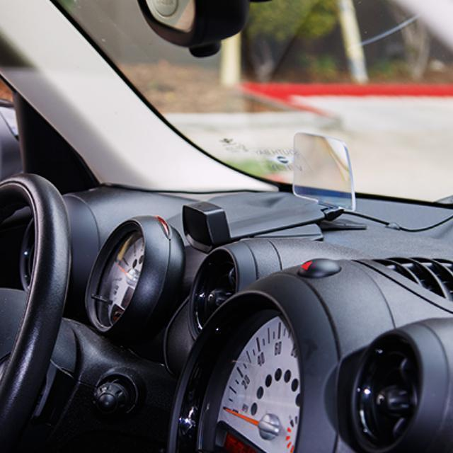 HUDWAY Drive - The best Wireless Charger head-up display for any car(OFF 50%)