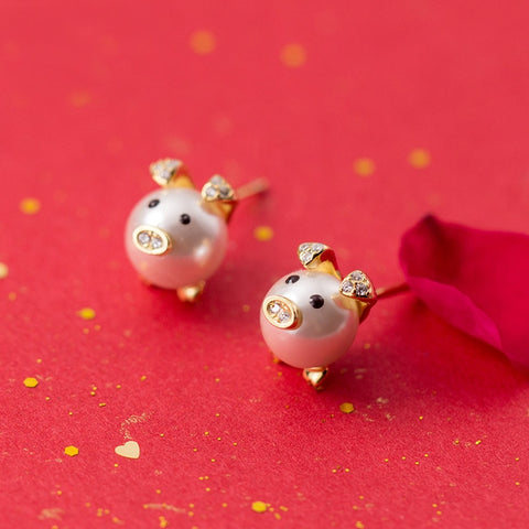 Sterling Silver Elegant Pig Pearl Stud Earrings
