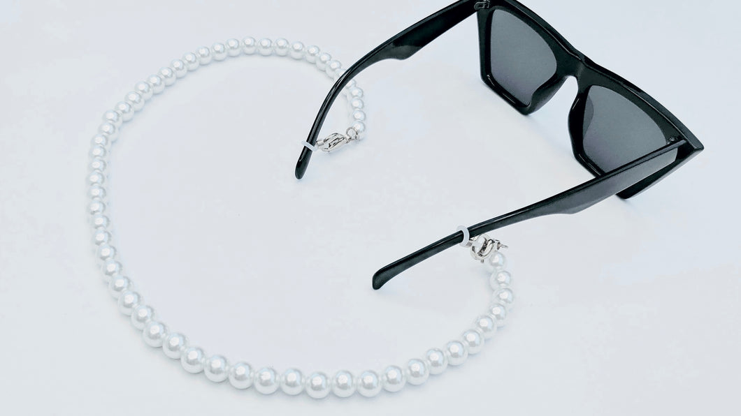 Sarah White Pearl Sunglasses Chain
