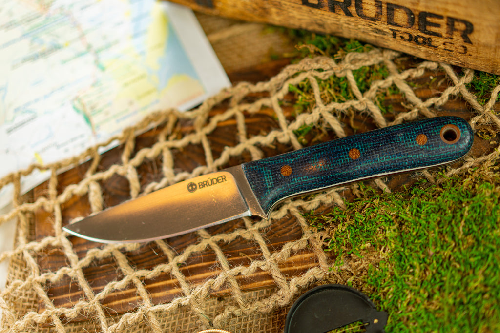 Brüder Alger Bushcraft Knife - Blue/Green - Hollow Grind