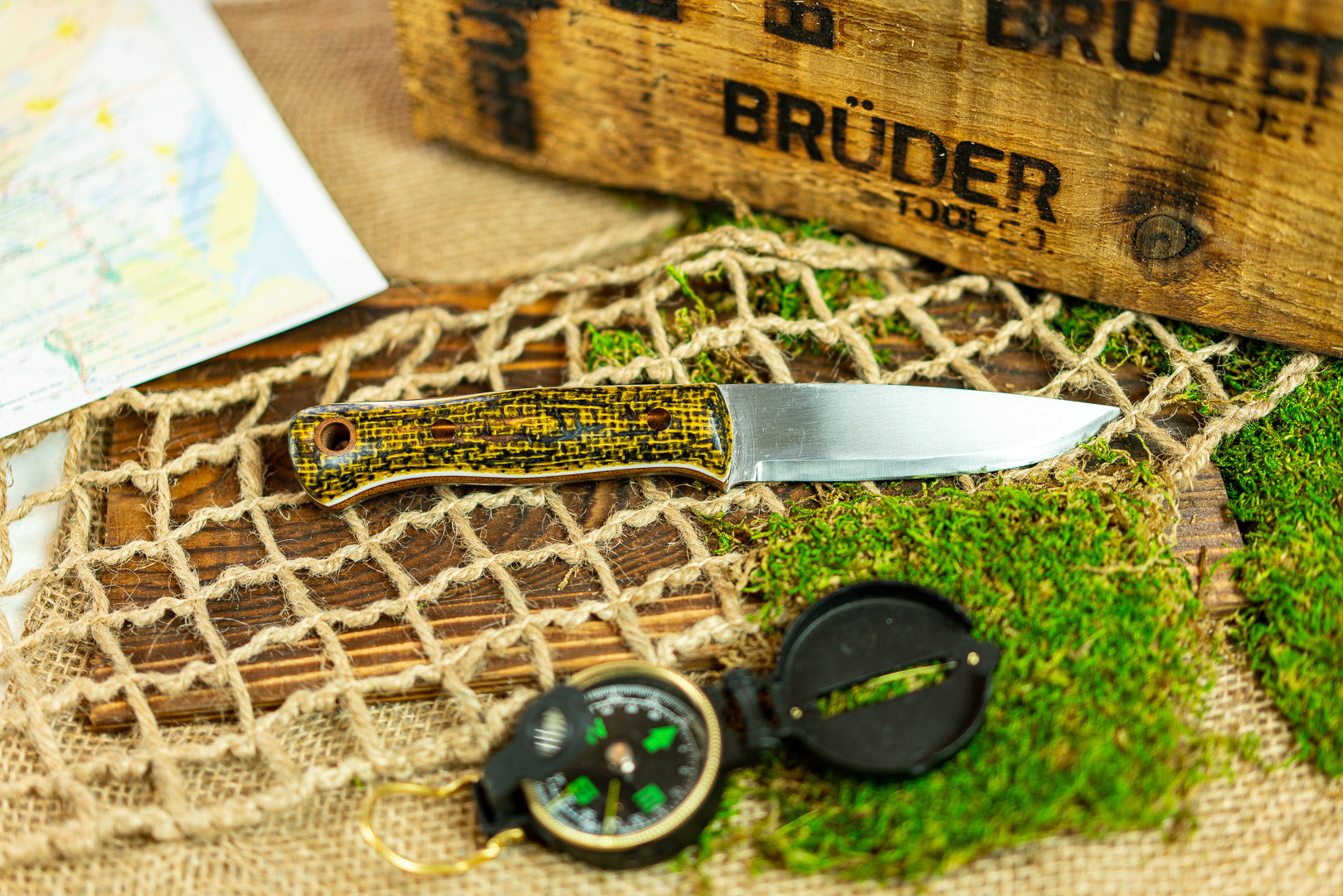 Brüder Alger Bushcraft Knife - Blue/Yellow Burlatex