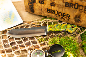 Brüder Brute Camp Knife- Yellow/Green Dyed Burl - 80crv2 - Steel