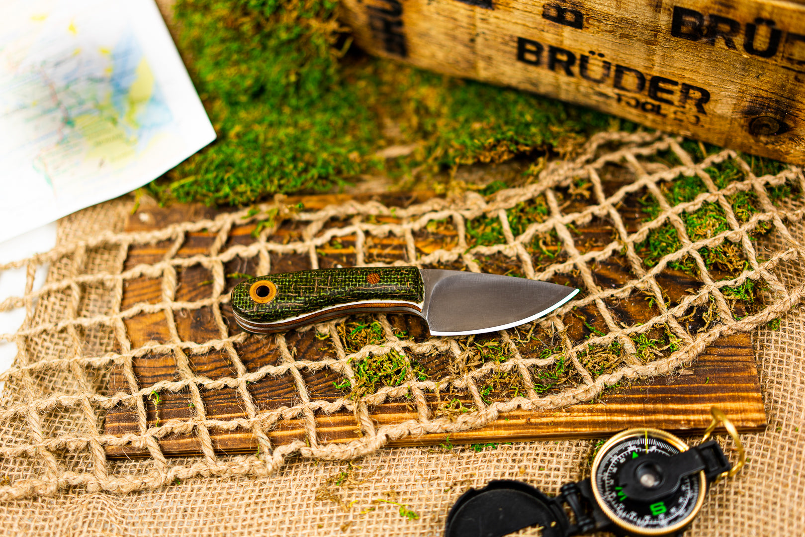 Skinner/EDC knife - Green Burlatex