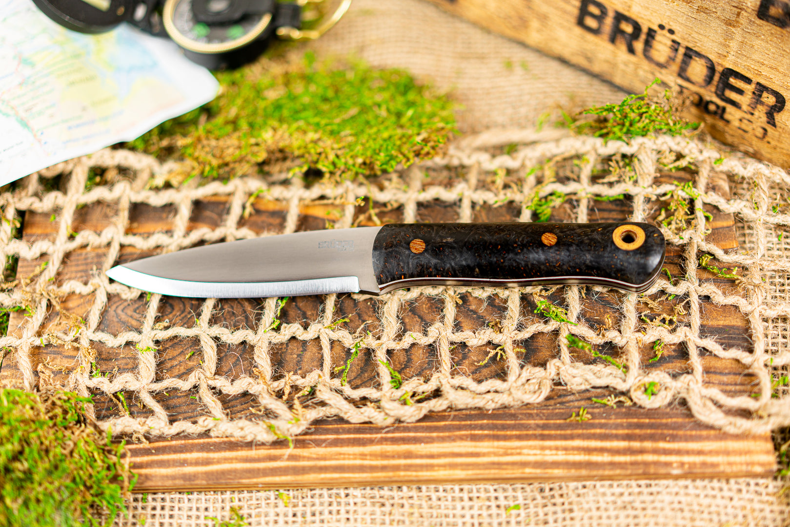 Brüder Alger Bushcraft Knife - Black/Copper Specks - Custom Dyed Burl
