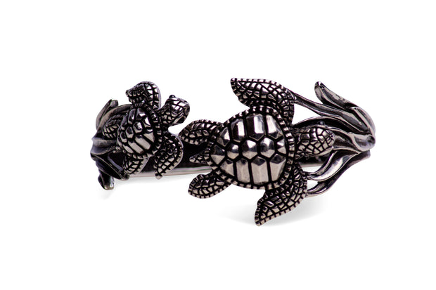 Wearable Art: Large Double Turtle Hinged Bracelet - in Sterling Silver