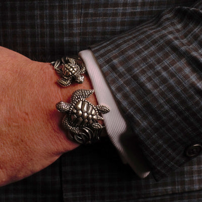 Wearable Art: Medium Double Turtle Hinged Bracelet - in Sterling Silver