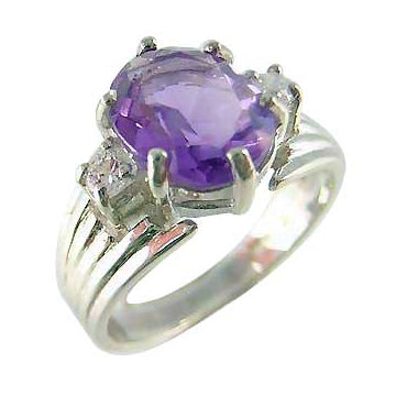 Amethyst Solitaire Ring in Sterling Silver | SilverAndGold