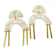 TRACY Pearl Lucite Earring