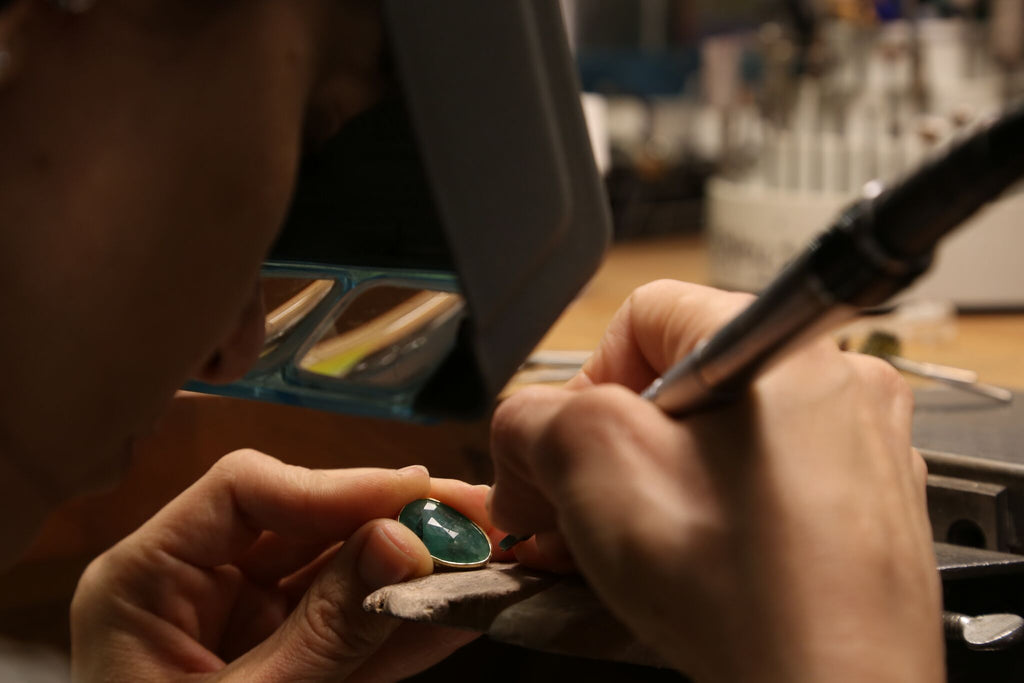 What makes an Emerald the star in luxury bespoke jewelry?