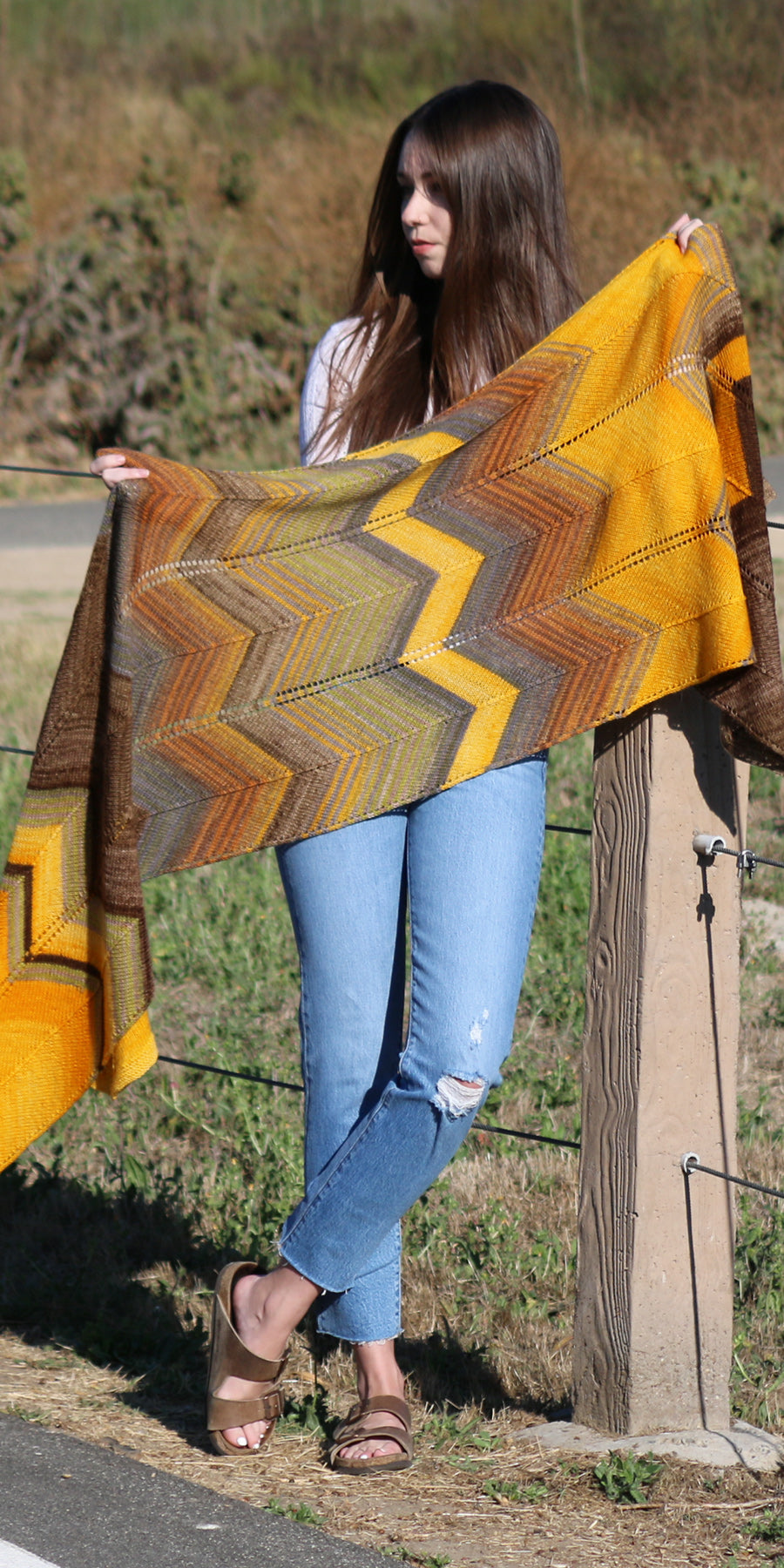 Bommer Canyon Wrap knit in Urth Yarns Uneek and Monokrom fingering