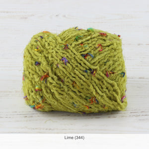 Trendsetter's Worsted Blossom Yarn in Lime (344)