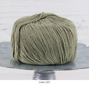 Trendsetter's Worsted Ecotone Yarn in Linen (37)
