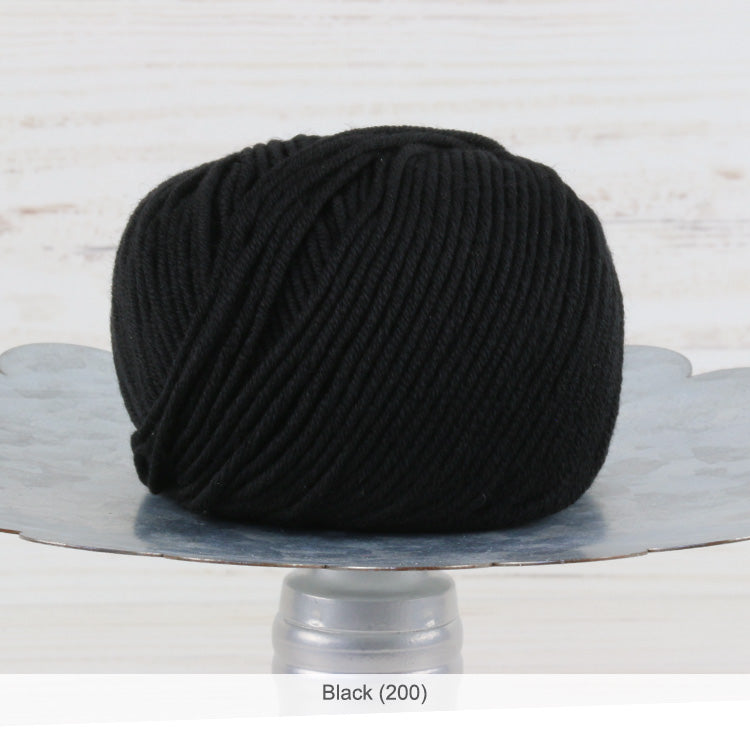 Trendsetter's Merino VIII superwash wool yarn in Black (200)