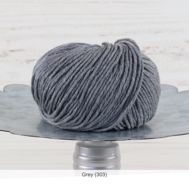 Trendsetter's Merino VIII superwash wool yarn in Grey (303)