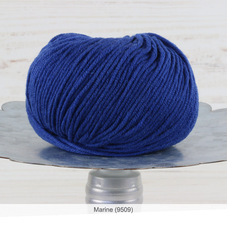 Trendsetter's Merino VIII superwash wool yarn in Marine (9509)