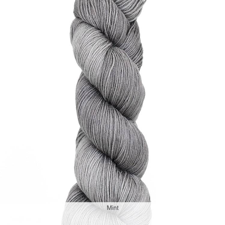 Urth Yarn's Harvest Fingering 100% Extrafine, Superwash Merino Yarn - Mint
