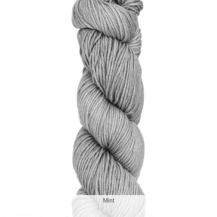 Urth Yarn's Harvest Worsted 100% Extrafine, Superwash Merino Yarn - Mint