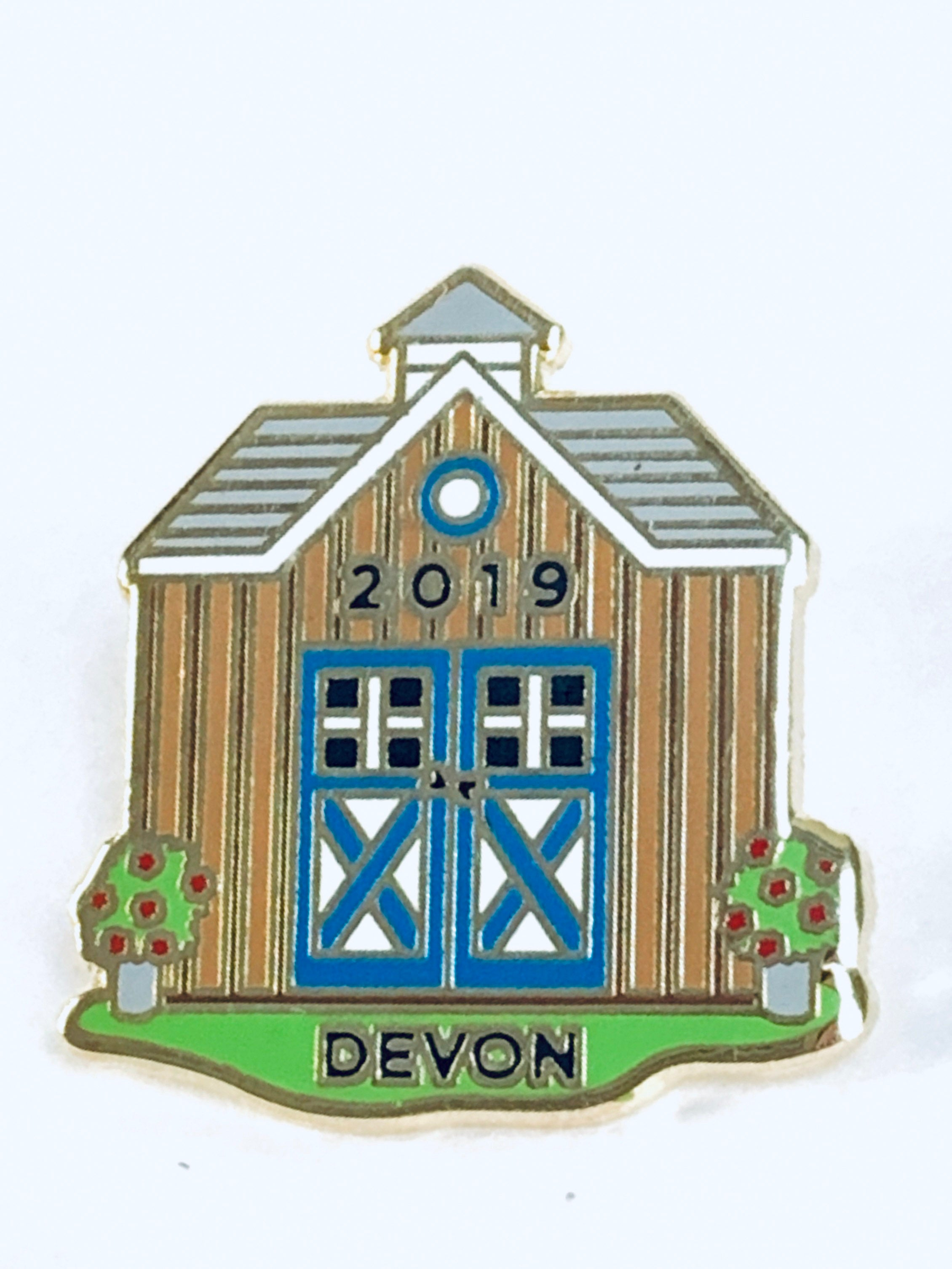 "2019 Signature Pin 7/8"" Enamel Barn"