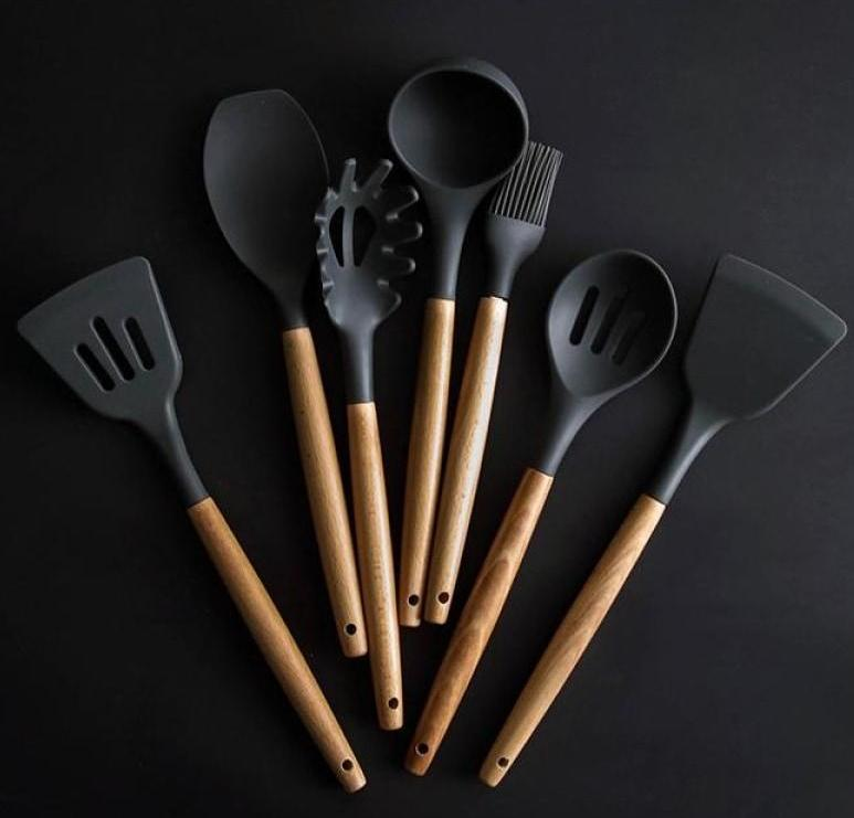 8-Piece Set of Silicone Wooden-Handled Tools - A Must-Have-Kioro Knives