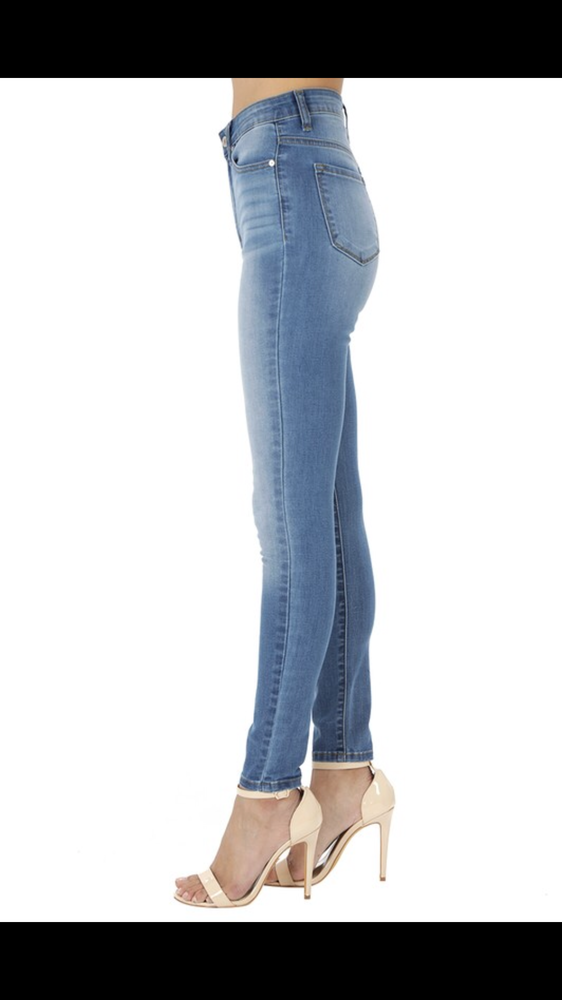 KanCan Skinny Jean - non distressed