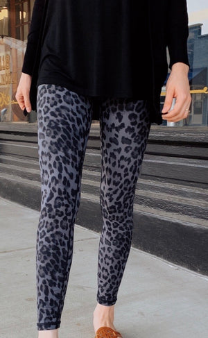 Butter leggings-black Leopard