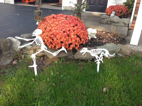 Running Skeleton and dog chasing Garden Yard Stake Halloween