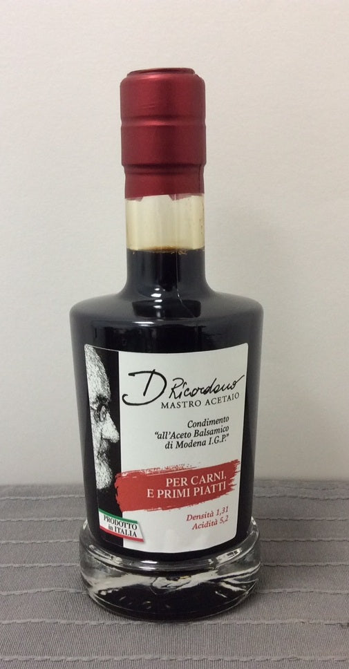 Ricordano's dressing with balsamic vinegar of Modena for Fruit, Desserts and Cheese.