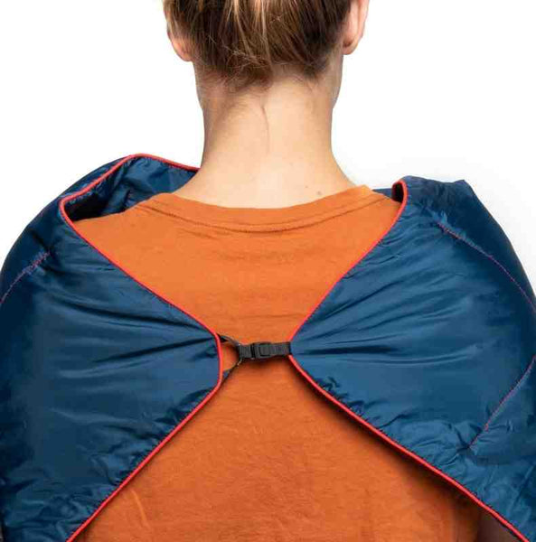 deepwater travel blanket with clip
