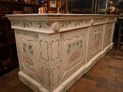 Faience Patissiere Counter