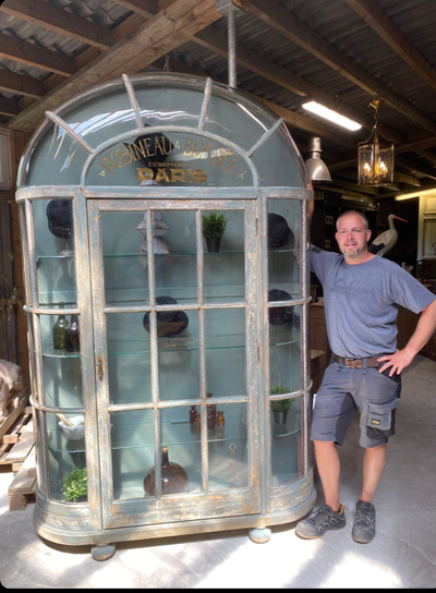 1900 's Grand Vitrine de Magasin SOLD