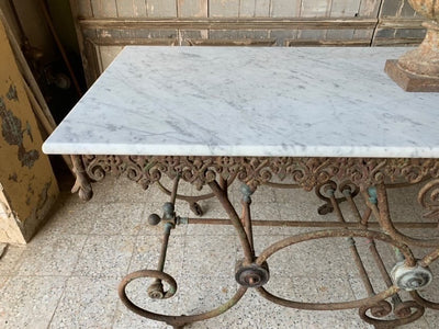 Grande Table de Bucher
