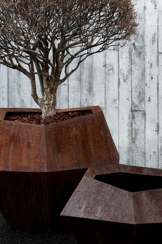 DOMANI CORTINA HIGH PLANTER
