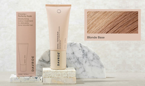 Davroe Chroma Perfectly Nude Moisturising colour treatment to delicately tone blonde hair.  Containing Macadamia nut extract, this Perfectly Nude Chroma leaves blonde hair with a creamy hue, removing warm gold tones. Improves hair strength, while adding moisture, leaving hair nourished and revitalised.
