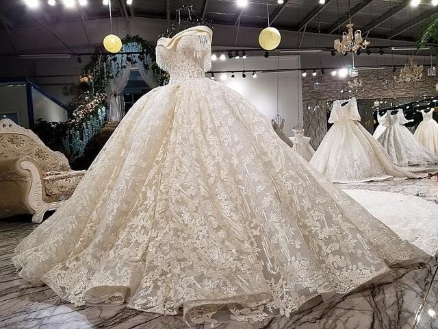 Luxury Sexy Fashion High-end Tulle Wedding Dresses 2018 Vintage Short Sleeve Beading Crystal Wedding Dresses Angel Tree Dress