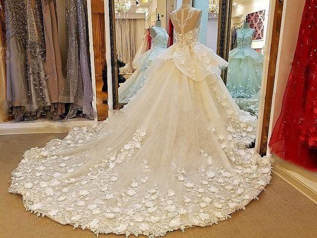 Luxury bridal wedding dresses 2018 beaded crystal ball gown flowers long tail wedding dresses real photos
