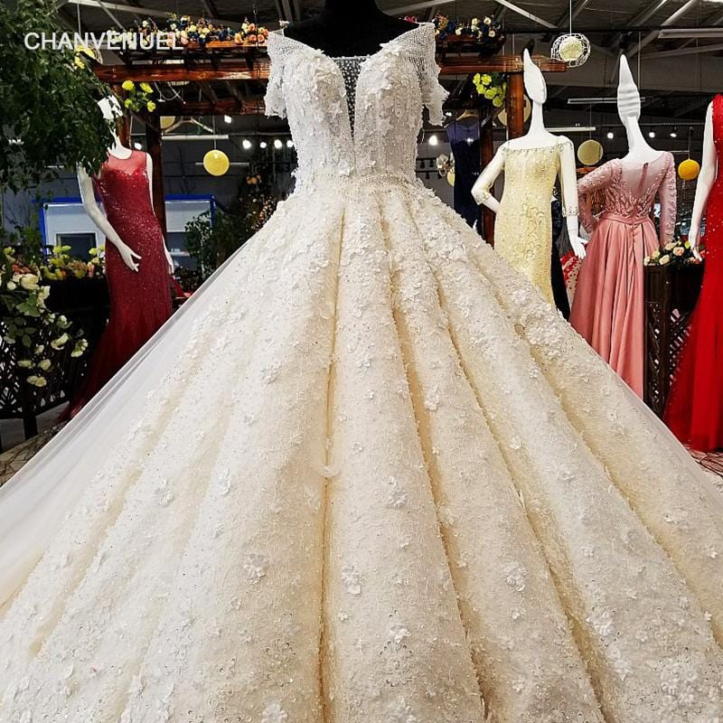 LS01569 100% real pictures show wedding dress with long train keyhole back super big puffy ball gown 2018 new wedding dress