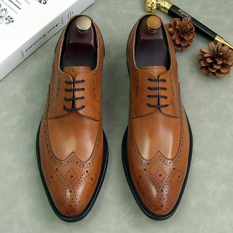 2018 carved borgues oxfords wedding dress shoes for man sprng male siingle leather shoes lace up party formal business oxfords