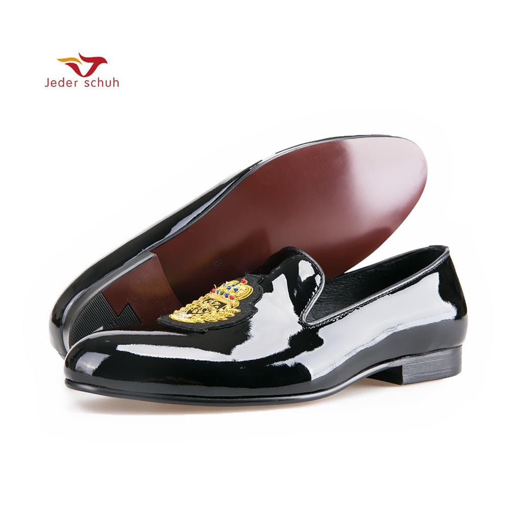 New black patent leather men loafers with gold luxurious embroidery Fashion party and wedding men's dress shoes
