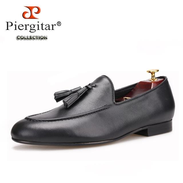Piergitar Two colors men genuine leather shoes with leather tassel men handmade smoking slippers wedding and party men loafers